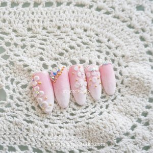 3D flower nail art . . .  #nailbymuktilim . . #nail #nailart #potd #picoftheday #beauty #beautyblogger #nailartindo #beautybloggerindonesia #indonesiabeautyblogger #bloggerperempuan #clozetteid #clozette #clozetter #fdbeauty #femaledaily #bloggerindo #vloggerindonesia #beautyvlogger #beautyjunkie #beautyenthusiast #notd #like #like4like #likeforlike #nailjunkie #nailartjakarta #nailartisindonesia #nailartist #manicurist