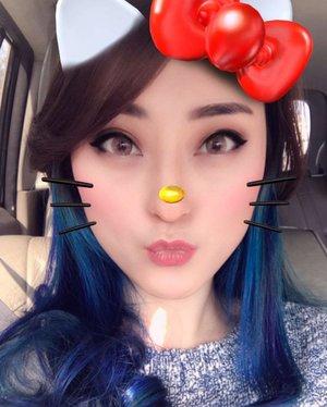 Kitty is in the house 😽😽 . #hellokitty #sanrio #kitty #snapchat #filter #snapchatfilter #예뻐 #셀피 #셀카 #selfie #cute #귀엽다 #재미 #fun #funny #clozetteid #beautyinsta #indobeautygram