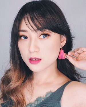 When your lips and earrings match.. . Earrings @coloursteme . . #cuteearrings #earrings #accessories #lip #lipstick #lipcolor #립 #립스틱 #match #matching