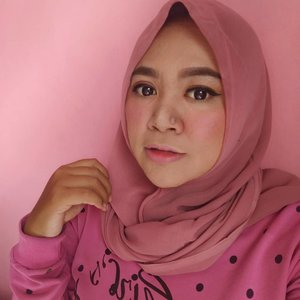 Pink🐩🐩🐩🐩 #makeup #makeupaddict #makeupjunkie #makeupobsessed #makeupporn #makeupcollection #instamakep #dailymakeup #makeuporganization #blogger #beautyblogger #indonesianbeautyblogger #beauty #instabeauty #blush #fdbeauty #highlighter #bronzer #lipstick #lipstickaddict #lotd #lipstickcollection #motd #makeupoftheday #fotd #makeuplook #makeuplover #makeupmafia #ilovemakeup #clozetteid