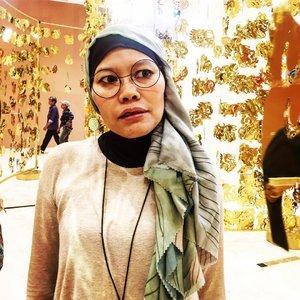 Me no smile, scary or no worry? . . #clozetteid #ootd #hotd #hijabi #instagood #selfportrait #selflove #hijabstyle #hijabfashion #fashionate #fashionableme #senayancity #latepost