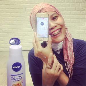 """I love taking care of my body and mind!"" How I do implementing those Magic Words are by keeping in touch with all postive people, eating good food (means all savoury as posted on feeds LoL) aaaand pampering myself in #SensationalTouch moment with the new @nivea_id Sensational Body Lotion ..#instagood #clozetteid #beauty #lifestyle #instamoment #happyme #positivevibes #metime #mydailylife"
