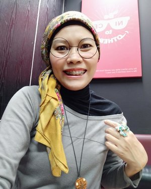 Just another selfie portrait taken on office hours at our fave spot: pantry.Like a melting pot, we meet, share meals and stories. Sometimes, playing board games or sing along...📷 @nalafolgore ..#instagood #instaselfie #clozetteid #HOTD #OOTD #fashionable #fashionableme #instafashion #hijabi #hijabstyle #streetstyle #nofilter #xiaomiphotography #latepost