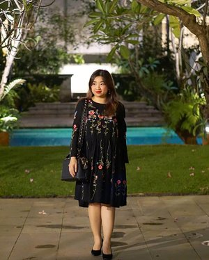 🎵 Malam-malam aku seennnnnndiiiriiiii, tiada yangg menemaaaniiii uoooo uooooo 🎶  Kameramen (or girl): Trus gw apaan?! Heehee, oops 😙  __________  #ootd wearing @anthropologie Allison Embroidered Floral Dress. __________  #dressoftheday #beauty #ClozetteID #carnellinstyle #outfitinspo #outfit #outfioftheday #style #styleoftheday #photooftheday #potd #motd #lotd #ootd #love #dressoftheday #dressedup