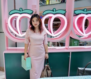 A new cake shop at @pikavenue  And I blend right into them 🍑... abis kesini jadi pengen beli Peach Glow nya Too Faced 😁  #love  #dresedup #motd #ootd #lotd #carnellinstyle #love  #dressoftheday #dress #outfit #outfitinspo #outfitoftheday #styleblogger #styleoftheday #lookoftheday #potd #photooftheday #ClozetteID #photography #photooftheday #ootdfashion #cakeoftheday