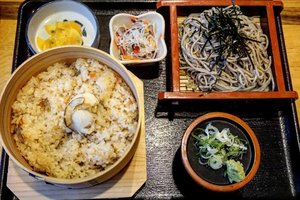 Last dinner in Rusutsu area, steamed #abalone rice with cold #soba.  Oh how could I explained how good the rice is, it was so #succulant, chewy, with #umami flavour all over the mouth.  The side dishes was just right. #Refreshing and cleaning the palate, I was in love with them.  #rusutsu #Japanfood #hokkaido #summervacation #Japan #travel #foodies #ClozetteID #yums #recommended #delicious #musttry