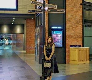 #TGIF2019 bakal ada film apa aja?Marvel, marvel daannn Marvel �Sekian terima kasih._______@closet_londonGold Asymmetric Dress _______#beauty #carnellinstyle #love #dressoftheday #motd #lotd #ootd #photooftheday #photography #lookoftheday #outfit #outfioftheday #outfitinspo #lookbook #style #styleoftheday #ClozetteID #ClosetLondon