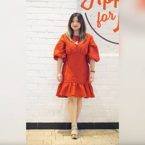 Mari kita cerahkan hari ini dengan yang merah.Sudah ikutan #CARNELLINGIVEAWAYBelonnnn hehehe ada di postingan sebelumnya yaa______@keepsakethelabelDreamlike Mini Dress ______#beauty #carnellinstyle #love #dressoftheday #motd #lotd #ootd #photooftheday #photography #lookoftheday #outfit #outfioftheday #outfitinspo #lookbook #style #styleoftheday #ClozetteID #keepsakethelabel #reddress