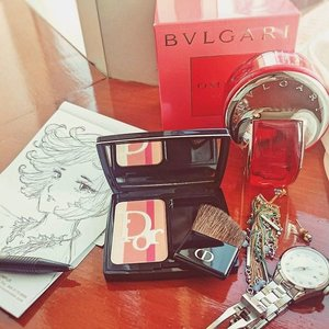 Today's picks.Currently Coral-obsessed.Bvlgari Omnia Coral, a scent dominated with goji berry and pomegranate freshness, with musk and cedar base notes.Dior 2015 blusher in Coral ShimmerOh I did a quick sketch on the plane! 😄 happy looking at em.#beautyaddict #beautyjunkie #clozetteid #clozette #MOTD #beauty #dior #diorbeauty #blusher #makeup #makeupjunkie #makeupaddict #makeupoftheday #sketches #sketch #manga #instaart #artoftheday #perfume #perfumes #scent #fragrance #fdbeauty #femaledaily #femaledailynetwork #businesstrip