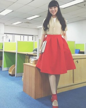 Hello... i become myself again... that red full skirt, those beautiful heels... and those longhair  #ootd #outfitoftheday #ootdindo #ootdasean #styleoftheday #styleblog #streetstyle #style #styles #lookbook #lookbookindonesia #lookbookmelove #red #streetstyle #redoutfit #clozetteid #clozette #clozetteambassador #femaledaily #fashion #fashionista #fashionblogger #femaledaily