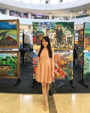 It's when i tried to fit in with the background ❤️ love all the TNI themed paintings, more than 100 paintings showed to celebrate TNI birthday 🐧🐧👨🏻‍✈️👨🏻‍✈️ #TNI #hutTNI #pictureoftheday #potd #instagram #instapainting #paintings #ootd #ootdindo #pinkdress #ootdasean #lookbook #lookbooklookbook #ignesia #monday #happymonday #doublewoot #doublewootootd #instastyle #clozette #clozetteid #clozetteambassador