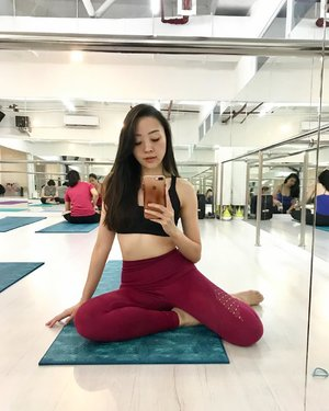 Barre Fitness Enthusiast 🧚🏻♀️🧜🏻♀️ #barre #barreworkout #barre3 #barrefitness #barrelove #barrefit #barrestudio #workout #healthy #fitness #fitnessmotivation #instafit #ballerina #ballet #barreenthusiast #monday #clozetteambassador #fdbeauty #femaledaily #clozetteid