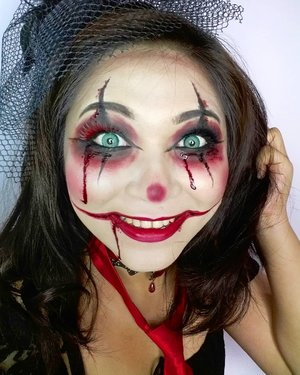 #throwback Crazy clown 🎃 . . . . #halloween #clown #creepyclown #clownmakeup #makeup #wakeupandmakeup #makeupforbarbies #beautyblogger #beautybloggerindonesia #dressyourface #hudabeauty #undiscovered_muas #blogger #influencer #bloggerceria #longhair #bloggermafia #clozetteid #fdbeauty #beauty #beautybloggerindonesia #tampilcantik #beautyjunkie #makeupgeek #beautychannelid