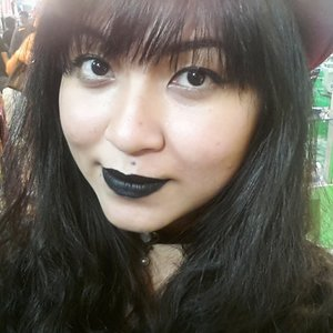 Black lips don't care~ Went out with my black lipstick last week, well people stared like i was a freak 😂😂 #throwback #lastweek #selfie #blacklips #lipstick #blacklipstick #anastasiabeverlyhills #makeupgeek #makeupcrazyhead #makeupfanatic1 #mayamiamakeup #theevanitydiary #themakeupstory #palafoxxiamakeup #labella2029 #clozetteid #vegas_nay #valerievixenart  #makeupglitz #dressyourface #auroramakeup #lvglamduo #fotdibb