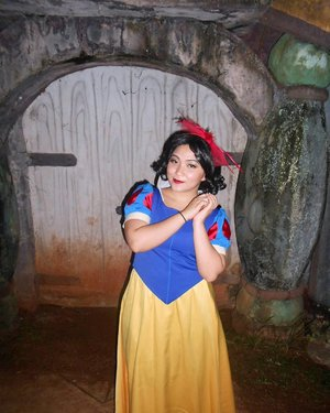 #throwback I miss cosplayyyy!!!....#cosplay #princess #disneyprincess #snowwhitecosplay #snowwhite #disney #makeup #wakeupandmakeup #makeupforbarbies #beautyblogger #beautybloggerindonesia #dressyourface #hudabeauty #undiscovered_muas #blogger #influencer #bloggerceria #longhair #bloggermafia #clozetteid #fdbeauty #beauty #beautybloggerindonesia #tampilcantik #cchannelbeautyid #beautyjunkie #makeupgeek #beautychannelid