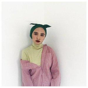 a little bit dark isn't crime right? I'm wearing turban instant @winonamodest . . . #Clozetteid #darklippie #acolorstory #sundaymoods #whatwelike #starclozetter #hijabi #turbanstyles #lookbookindo #hijabstyle #abeautifulmess