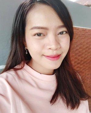 Sunday Morning 🌞🌞 #ClozetteID #beauty #love #fotd #selfie #selca #faceoftheday #sunday #love #blogger #beautyblogger #coordinate #bblogger #indonesianbeautyblogger #indonesianblogger