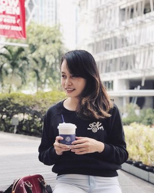 It's coffee o' clock ☕️.....#tuesday #throwback #throwbacktuesday #quote #fashion #clozetteID #portrait #portraitphotography #iphone8plus #instagram #vsco #vscocam
