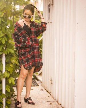 Plaid start!! With @chielshoes  Yap kemeja kath dari @chielshoes loo Bought it from @hglhouse at @onmarketgoplus 📸 @jz_icha ❤️ . . . #bloggerindonesia #lookbookindonesia #beautyguru #beautyvlogger #beautyblogger #clozetteid #bloggerstyle #fashionblogger #fashionstylea #fashionindo #indonesianbeautyblogger #indonesian_blogger #indonesiabeautyblogger #youtubeasia #youtuberindonesia #clozetteambassador #beautyindonesia #indobeautygram#stylehaul #cgstreetstyle #ggreptrend #ggrep #ootd
