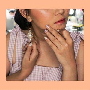 My favorites nail art gel so far!! @enchantenailart selalu bisa bikin request2 kath yang aneh2. Bahkan bisa melebihin ekspetasi kath 😍😍Always go back!!! *Psttt believe me. Klo ksana makeup an dl. Ntar kalah syantique sama ownernya 🤣🤣 @stevanipk ...#bloggerindonesia #lookbookindonesia #beautyguru #beautyvlogger #beautyblogger #clozetteid #bloggerstyle #fashionblogger #fashionstylea #fashionindo #indonesianbeautyblogger #indonesian_blogger #indonesiabeautyblogger #youtubeasia #youtuberindonesia #clozetteambassador #beautyindonesia #indobeautygram#stylehaul #cgstreetstyle #ggreptrend #ggrep #ootd