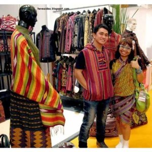 Designer of I & A Collection and Heti Novela in @indonesiafashionweek #IFW 2014.  Theme of the Outfit: Japanese Look in Indonesia Textile  Just visit http://heveaidea.blogspot.com/2014/10/indonesia-fashion-week-2014-exhibition_10.html  #latepost #review #throwback #indonesiandesigner #tenun #japaneselook #indonesian_blogger #indonesiantextile #ootd #indonesia #fashionid #fashionstyle  @clozetteid #clozetteid #fashion