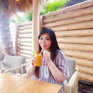 Stressing out and having holiday envy left and right so i'll console myself by spamming thowback holiday pics!#manobeachhouse #beachclub#pinkinbali #bali #clozetteid #sbybeautyblogger #beautynesiamember #bloggerceria #influencer #beautyinfluencer #jalanjalan #wanderlust #blogger #bbloggerid #beautyblogger #indonesianblogger #surabayablogger #travelblogger  #indonesianbeautyblogger #travelinfluencer #girl  #surabayainfluencer #travel #trip #pinkjalanjalan #ootd #ootdid  #bloggerperempuan #holidayfashion #asian