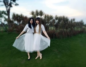 Having #fun #twinning with @stephanieaurene for our #auntandniece #photoshoot Thank you @paulinenugraha for the beautiful pic 😘😘😘 #ootd #croppedtop #tutuskirt #girls #fashion #outfit #blogger #bblogger #indonesianblogger #personalstyle #indonesianblogger #indonesianpersonalstyleblogger #surabayablogger #surabayapersonalstyleblogger #clozetteid #clozettedailyOur outfits are from @jrepclothings (not sponsored okay #lol )