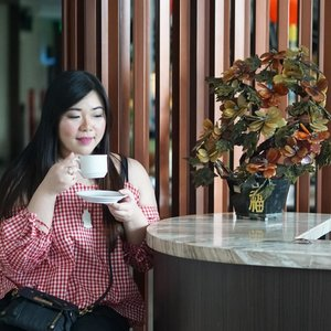 Busy season is coming, lemme calm meself down with a cup of coffee first... #girl #asian #ootdid #ootdindo #ootdindonesia  #clozetteid #sbybeautyblogger #beautynesiamember #bloggerceria #blogger #bblogger #beautyblogger #influencer #influencersurabaya #surabaya  #beautyinfluencer #personalstyle #fashionblogger #personalstyleblogger #notasize0 #comfortableinmyownskin#effyourbeautystandards #celebrateyourself  #bloggerperempuan #girl #asian #coffeetime☕ #indonesianblogger #indonesianbeautyblogger #SurabayaBeautyBlogger