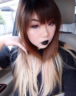 Yesterday i wore a #blacklipstick because it represents my #blackheart .... LOL,  no lah, i'm actually a very kind person okay... To those who are kind to me,  ofc!  Actually it was just a request from @limaszi .  See how much of a pushover i am??? I even take lipstick shades requests now WTF.  #eyeshadow using @trisiacosmetic eyeshadow trio in Beautiful Midnight and #lipstick using @lagirlcosmetics Luxury Creme Lip Color Lipstick in Dreamer  #fotd #motd #black #darkmakeup #blacklips #girl #asian #selfie #ombre  #vampymakeup #gothickawaii #blogger #bblogger #beautyblogger #bblogger #bbloggerid #indonesianblogger #indonesianbeautyblogger #surabaya #surabayabeautyblogger #sbybeautyblogger #clozetteid #clozettedaily