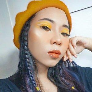 #mood ujan mulu, becek, susah cari gojek... Btw, udah lama gak bikin #motd nude lips 💄💋 so here you go.. . . Makeup: Bb cream @etudehouseofficial Blush @jcatbeauty Eyeshadow @nyxcosmetics @nyxcosmetics_indonesia Highlighter @fentybeauty Lip gloss @fentybeauty  Eyebrow @viva.cosmetics . . #fentyface #tampilcantik #ragamkecantikan #inspirasicantikmu #radenayublog #hudabeauty #clozetteid #setterspace #beautybloggerindonesia