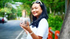 Abis nyobain kopi ala anak Suroboyo ❤️❤️❤️. Namanya @jo.ko.pi kopi blusukan 😘. Biar nyebrang jalannya nggak pake ngantuk ngopi dulu nii babes 🤩🤩🤩. Siapa yang punya itinerary mau liburan di Surabaya??? jangan lupa masukin si Jokopi di list it taste so gewwwd and yet affordable 👌🏻😊. . . . #eatsxarunadanlidahnya  #temankulineran #jokopi #surabayakuliner #fooddiary #foodie #clozetteid #jokopiblusukan