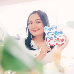 """""""Healthy Woman Happy Life"""". Wanita saat ini dengan aktivitasnya yang padat dan perannya yang berangkap pastinya butuh untuk tetap menjaga kesehatan dan kecantikannya💚. Suplemen @vitaciminid ini bisa membantu ngga cuma buat kulit glowing tapi tubuh juga semakin sehat😘😘😘. ...#maketheworldCyou #vitaciminid #tabloidbintang @tabloidbintang #ichamaucerita #beautybloggers #indonesiabeautyblogger #clozetteid @cchannel_beauty_id #cchannelbeautyid"""