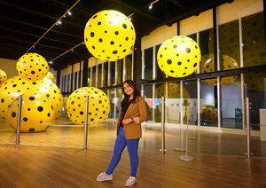 "It's about last night at Film Screening ""Yayoi Kusama: I adored My Self"" in @museummacan . After this Film I totally get Dots Obsessed because every dots that she scratch is amazing 💛💛💛. . . . Thank you so much @popbela_com for having me 🙏🏻😘😘. Definitely I will go back to this museum before it end at 9 September 2018...See you super soon @museummacan 🤩 . . . #yayoikusama #popbelacom #popbela #potd #museummacam #yayoikusamaexhibition #clozetteid #museumstyle #dotsobsession"
