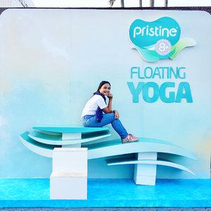 Floating Yoga itu yang kayak apa siih?? Kalau di jelasin disini kepanjangan..jadi langsung lompat ke Blog aja babes 💕💕💕..www.budiartiannisa.com...#pristinefloatingyoga #Netralkan #LiveBalance #pristine8plus #pristine #bloggerperempuan #floatingyoga #potd #bloggerperempuanindonesia #clozetteid