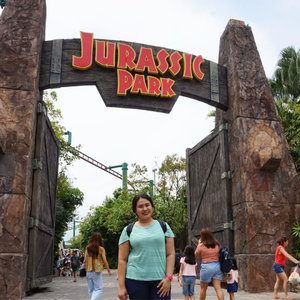 From my short getaway last week: Universal Studios Singapore @rwsentosa. Explored and roared with the dinos of Jurassic World, so excited! #rwmoments #jurrasicworld #universalstudiossingapore #wyntraveldiary #wheninsg #exploresg #travel #leisure #exploresingapore #rwsentosa #clozetteid #holiday #themepark #dinosaur