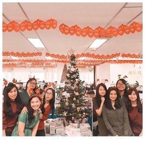 Mayapada IT Division Christmas Celebration 2018🎄 #latepost .......#christmas #celebration #office #officemate #likes #collagues #giftexchange #togetherness #grateful #christmasvibes #likeforlikes #clozetteid #thankful #likeforfollow #bankinglife #igers #itdivision #mayapadabank #christmas2018 #latepost