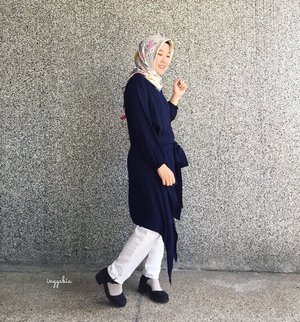 . Good Morning, Create your own happiness today guys 💙 . #myhijup #clozetteid #clozettehijab #starclozetter #hijabootd #hijabersbandung #hijabstyle #simplystyle #casualhijab #squarehijab #happyface #wheresyoureyes #senyummatahilang