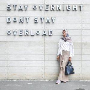 Sesuatu yg over emang enggak baik. Jadi secukupnya aja yaa 😊 .........#clozetteid #clozettedaily #ootd #hootd #travelingwithhijab #travelinstyle #diannostyle #hijabtraveller #hijabtraveler #lookbook #lookbookindonesia #roomsinchotel #exploresemarang #fashion #hijabootd #dsigninstagramable #ilooknet #hotelsemarang #fashionblogger #bloggerstyle #bloggerlife #lifestyle #lifestyleblogger