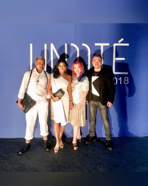 @surabayafashionparade #UNIITE #surabayafashionparade  #surabayafashionparade2018 Day 2 #PARTY . . . With my fave Duo  @aprilmop70  @embrannawawi  And one of the host tonight  @bennygun . . . #surabayafashion #surabaya #beautyinfluencer #beautygram #beautyblogger #beautylover #beautyaddict #beautyobsessed #makeuplover #makeupaddict #makeupartist #makeuplife #makeuptalk #white #clozetteid #clozette #ilovemakeup #wakeupandmakeup #fashionpost #fashionshow #luxurybeauty #fashiondesigner