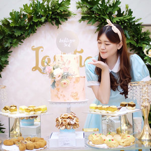 Alice tea party? No! It's @lashtiqueid 3rd anniversary and grand launching🐰✨💗 Congratulations for your new store at Neo Soho & once again, happy birthday! 🥂 . . . . . . . . #selfpotrait #beautyenthusiast #beauty #makeup #skincare #beautytips  #beautyreview #makeuplover #skincareaddict #beautyaddict #beautyjunkie #makeupguru #makeupaddict  #bloggerevent #makeupjunkie #bestoftheday #clozetteid #beautyinfluencer  #beautycommunity #얼짱 #일상 #데일리룩 #셀스타그램 #셀카