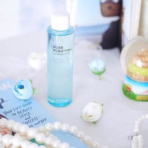 🌟 A serum and cleanser in one product! 🌟 I love to using serum and cleanser in daily basis, but can you imagine a combination the power of those two? It's seriously amazing! 💦 Introducing to you an all in one product : #AltheaSerumCleanser that helps to extract all dirt from deep inside the pores and removing all makeup and oil from our face while balancing the skin's pH level. I love to use it as a deep cleanser and makeup remover cause it feels so gentle and keep my skin hydrated. Not forget to mention the calming green tea scent too 🌸💖 Have been keeping my eyes for this since it launched and definitely love it! Thank you #AltheaKorea for sending this over 🎉 Gotta recommend this to you especially for someone who have a problem like me with enlarged pores. Read more on the blog~ #AltheaAngels . . . . . . . #featuredonalthea #altheaindonesia #kbeauty #koreabeautyproduct #ulzzang #clozetteid #beautyenthusiast #beautycommunity #asianblogger #beautytips #beautyreview #beautyguru #beautybloggerindonesia #makeup #skincare #skincareaddict  #beautyjunkie #makeupaddict  #makeupjunkie #beautyinfluencer #얼짱 #일상 #데일리룩 #셀스타그램 #셀카