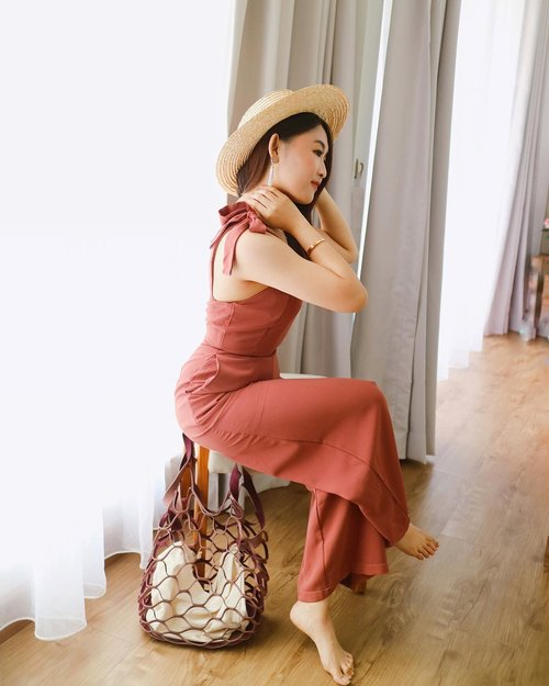 """<div class=""""photoCaption"""">Are you ready for  <a class=""""pink-url"""" target=""""_blank"""" href=""""http://m.id.clozette.co/search/query?term=Summer&siteseach=Submit"""">#Summer</a> ? Here's my outfit wearing @chocochipsboutique jumpsuit! I love the simple design & great cutting for my body. The ribbon details on the shoulder & unique color make this jumpsuit stand out from ordinary ones. When you're shopping at @chocochipsboutique , USE PERMATA CREDIT CARD TO GET 10% OFF with NO MINIMUM PURCHASE!</div>"""