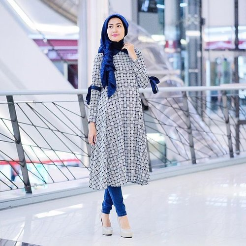 "<div class=""photoCaption"">Today at @district12.id 💙 wearing Hayfa Tunic @elhasbu  <a class=""pink-url"" target=""_blank"" href=""http://m.id.clozette.co/search/query?term=ElhasbuStyle&siteseach=Submit"">#ElhasbuStyle</a>  <a class=""pink-url"" target=""_blank"" href=""http://m.id.clozette.co/search/query?term=ClozetteId&siteseach=Submit"">#ClozetteId</a></div>"