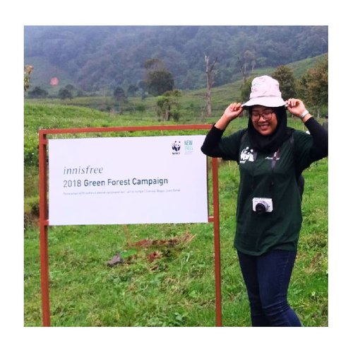 "<div class=""photoCaption"">About last trip with @innisfreeindonesia & @wwf_id 💕 <a class=""pink-url"" target=""_blank"" href=""http://m.clozette.co.id/search/query?term=clozetteid&siteseach=Submit"">#clozetteid</a>  <a class=""pink-url"" target=""_blank"" href=""http://m.clozette.co.id/search/query?term=greenforest&siteseach=Submit"">#greenforest</a>  <a class=""pink-url"" target=""_blank"" href=""http://m.clozette.co.id/search/query?term=loopsquad2018&siteseach=Submit"">#loopsquad2018</a>  <a class=""pink-url"" target=""_blank"" href=""http://m.clozette.co.id/search/query?term=innisfreeindonesia&siteseach=Submit"">#innisfreeindonesia</a>  <a class=""pink-url"" target=""_blank"" href=""http://m.clozette.co.id/search/query?term=innisfreeglobal&siteseach=Submit"">#innisfreeglobal</a>  <a class=""pink-url"" target=""_blank"" href=""http://m.clozette.co.id/search/query?term=tapforlike&siteseach=Submit"">#tapforlike</a>  <a class=""pink-url"" target=""_blank"" href=""http://m.clozette.co.id/search/query?term=followforfollow&siteseach=Submit"">#followforfollow</a>  <a class=""pink-url"" target=""_blank"" href=""http://m.clozette.co.id/search/query?term=tapforfollow&siteseach=Submit"">#tapforfollow</a>  <a class=""pink-url"" target=""_blank"" href=""http://m.clozette.co.id/search/query?term=beauty&siteseach=Submit"">#beauty</a>  <a class=""pink-url"" target=""_blank"" href=""http://m.clozette.co.id/search/query?term=blogger&siteseach=Submit"">#blogger</a>  <a class=""pink-url"" target=""_blank"" href=""http://m.clozette.co.id/search/query?term=beautyindo&siteseach=Submit"">#beautyindo</a>  <a class=""pink-url"" target=""_blank"" href=""http://m.clozette.co.id/search/query?term=korea&siteseach=Submit"">#korea</a>  <a class=""pink-url"" target=""_blank"" href=""http://m.clozette.co.id/search/query?term=kproduct&siteseach=Submit"">#kproduct</a>  <a class=""pink-url"" target=""_blank"" href=""http://m.clozette.co.id/search/query?term=cchanel_id&siteseach=Submit"">#cchanel_id</a>  <a class=""pink-url"" target=""_blank"" href=""http://m.clozette.co.id/search/query?term=cchannelbeautyid&siteseach=Submit"">#cchannelbeautyid</a>  <a class=""pink-url"" target=""_blank"" href=""http://m.clozette.co.id/search/query?term=instabeauty&siteseach=Submit"">#instabeauty</a>  <a class=""pink-url"" target=""_blank"" href=""http://m.clozette.co.id/search/query?term=instastyle&siteseach=Submit"">#instastyle</a>  <a class=""pink-url"" target=""_blank"" href=""http://m.clozette.co.id/search/query?term=instatoday&siteseach=Submit"">#instatoday</a>  <a class=""pink-url"" target=""_blank"" href=""http://m.clozette.co.id/search/query?term=instadaily&siteseach=Submit"">#instadaily</a>  <a class=""pink-url"" target=""_blank"" href=""http://m.clozette.co.id/search/query?term=instalike&siteseach=Submit"">#instalike</a></div>"