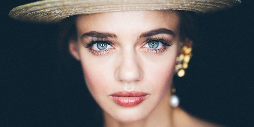 """<div class=""""m-insider-story-title2""""> <div class=""""articlesCategory2"""">ARTICLE</div> <a style="""""""" href=""""https://www.marieclaire.com/beauty/g25560857/best-eyebrow-pencils/"""" target=""""_blank"""" rel=""""nofollow""""  data-transition=""""fade"""" data-persist-ajax=""""false"""" data-ignore=""""true"""" class=""""photoImageWrapper """" data-youid=""""""""> These Eyebrow Pencils Will Change Your Life</a></div><div class=""""photoCaption"""">Whether you're going for Cara Delevigne or Amal Clooney.</div><div class=""""articlesComment2""""> Simak juga artikel menarik lainnya di Article Section pada Clozette App. </div>"""