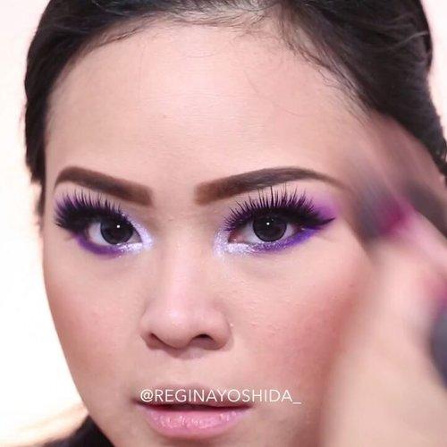 "<div class=""photoCaption"">Violet Lover💓💓 [play video]<br /> <br /> Product Deets:<br /> @urbandecaycosmetics Electric Palette<br /> @sephoraidn Pencil from Nude Palette<br /> @moodmatcherindonesia Liquid Lipstick Miss Mauve<br /> <br /> @ellyfenn<br /> 1⃣Marie Beauty Eyeliner - Ini bagus banget eyelinernya, waterproof dan karena ujungnya slim jadi bagus untuk bikin wing eyeliner!<br /> 2⃣Red Cherry Eyelashes - Bulu mata badai ga ngerti lagi keindahannya.<br /> 3⃣Cosmetic Art Eyebrow Pencil - Pensil alis yang ga perlu rautan, cara pakainya lucu banget, kaya pencil warna jaman dulu yaa.. Gemes!!.<br /> .<br /> Jadi kamu suka yang formal glam look atau casual glam look?<br /> .<br /> .<br /> .<br /> @indobeautygram @indovidgram @brian_champagne @wakeupandmakeup @muasfeaturing @featuremuas @flawlessdolls @makeupgalss @undiscovered_muas @underratedmuas @abhjunkiess  <a class=""pink-url"" target=""_blank"" href=""http://m.clozette.co.id/search/query?term=indobeautygram&siteseach=Submit"">#indobeautygram</a>  <a class=""pink-url"" target=""_blank"" href=""http://m.clozette.co.id/search/query?term=ivgbeauty&siteseach=Submit"">#ivgbeauty</a>  <a class=""pink-url"" target=""_blank"" href=""http://m.clozette.co.id/search/query?term=browtutorial&siteseach=Submit"">#browtutorial</a>  <a class=""pink-url"" target=""_blank"" href=""http://m.clozette.co.id/search/query?term=brian_champagne&siteseach=Submit"">#brian_champagne</a>  <a class=""pink-url"" target=""_blank"" href=""http://m.clozette.co.id/search/query?term=wakeupandmakeup&siteseach=Submit"">#wakeupandmakeup</a>  <a class=""pink-url"" target=""_blank"" href=""http://m.clozette.co.id/search/query?term=muasfeaturing&siteseach=Submit"">#muasfeaturing</a>  <a class=""pink-url"" target=""_blank"" href=""http://m.clozette.co.id/search/query?term=featuremuas&siteseach=Submit"">#featuremuas</a>  <a class=""pink-url"" target=""_blank"" href=""http://m.clozette.co.id/search/query?term=undiscoverd_muas&siteseach=Submit"">#undiscoverd_muas</a>  <a class=""pink-url"" target=""_blank"" "