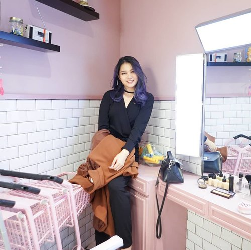 """<div class=""""photoCaption"""">@3ce_official and @stylenanda_korea 's stores are always adorbs and instagrammable 💕 3ce Cinema is located in Apgujong, Seoul. A little bit hard to find but you can click the location tag 😆<br /> .<br /> .<br />  <a class=""""pink-url"""" target=""""_blank"""" href=""""http://m.clozette.co.id/search/query?term=NatashaJSinSeoul&siteseach=Submit"""">#NatashaJSinSeoul</a> .<br /> .<br /> .<br /> .<br /> .<br /> .<br /> .<br /> .<br />  <a class=""""pink-url"""" target=""""_blank"""" href=""""http://m.clozette.co.id/search/query?term=3ce&siteseach=Submit"""">#3ce</a>  <a class=""""pink-url"""" target=""""_blank"""" href=""""http://m.clozette.co.id/search/query?term=stylenanda&siteseach=Submit"""">#stylenanda</a>  <a class=""""pink-url"""" target=""""_blank"""" href=""""http://m.clozette.co.id/search/query?term=fashiongram&siteseach=Submit"""">#fashiongram</a>  <a class=""""pink-url"""" target=""""_blank"""" href=""""http://m.clozette.co.id/search/query?term=southkorea&siteseach=Submit"""">#southkorea</a>  <a class=""""pink-url"""" target=""""_blank"""" href=""""http://m.clozette.co.id/search/query?term=clozetteid&siteseach=Submit"""">#clozetteid</a>  #스타일난다  #스타일그램</div>"""