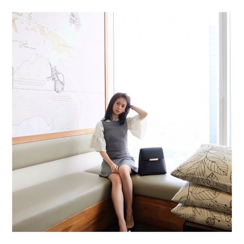 """<div class=""""photoCaption"""">Btw, tau kah kalian, kl aku ambil photo ini di office... And here we go..<br /> My office outfit. What do you think?<br /> <br />  <a class=""""pink-url"""" target=""""_blank"""" href=""""http://m.id.clozette.co/search/query?term=friendship&siteseach=Submit"""">#friendship</a>  <a class=""""pink-url"""" target=""""_blank"""" href=""""http://m.id.clozette.co/search/query?term=ootd&siteseach=Submit"""">#ootd</a>  <a class=""""pink-url"""" target=""""_blank"""" href=""""http://m.id.clozette.co/search/query?term=happyface&siteseach=Submit"""">#happyface</a>  <a class=""""pink-url"""" target=""""_blank"""" href=""""http://m.id.clozette.co/search/query?term=asiangirls&siteseach=Submit"""">#asiangirls</a>  <a class=""""pink-url"""" target=""""_blank"""" href=""""http://m.id.clozette.co/search/query?term=flowerdress&siteseach=Submit"""">#flowerdress</a>  <a class=""""pink-url"""" target=""""_blank"""" href=""""http://m.id.clozette.co/search/query?term=dress&siteseach=Submit"""">#dress</a>  <a class=""""pink-url"""" target=""""_blank"""" href=""""http://m.id.clozette.co/search/query?term=ootd&siteseach=Submit"""">#ootd</a>  <a class=""""pink-url"""" target=""""_blank"""" href=""""http://m.id.clozette.co/search/query?term=ootdindo&siteseach=Submit"""">#ootdindo</a>  <a class=""""pink-url"""" target=""""_blank"""" href=""""http://m.id.clozette.co/search/query?term=lookbook&siteseach=Submit"""">#lookbook</a>  <a class=""""pink-url"""" target=""""_blank"""" href=""""http://m.id.clozette.co/search/query?term=lookbookindo&siteseach=Submit"""">#lookbookindo</a>  <a class=""""pink-url"""" target=""""_blank"""" href=""""http://m.id.clozette.co/search/query?term=style&siteseach=Submit"""">#style</a>  <a class=""""pink-url"""" target=""""_blank"""" href=""""http://m.id.clozette.co/search/query?term=clozetteid&siteseach=Submit"""">#clozetteid</a> <br />  #셀스타그램  #팔로우  #오오티디  #패션  #데일리  #일상  #데일리  <a class=""""pink-url"""" target=""""_blank"""" href=""""http://m.id.clozette.co/search/query?term=whatiwore&siteseach=Submit"""">#whatiwore</a>  <a class=""""pink-url"""" target=""""_blank"""" href=""""http://m.id.clozette.co/search/query?term=tampilcantik&siteseach=Submit"""">#tampilcantik</a>  <a class=""""pink-url"""""""