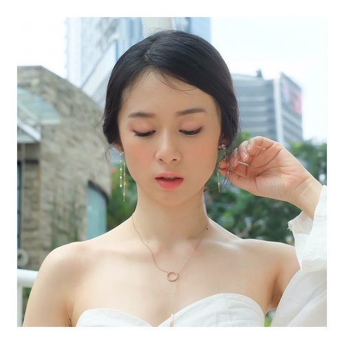 """<div class=""""photoCaption"""">Hello necklace and earrings by @judyandpaul_official <br /> It's so cute... Btw, you can find this at my @hicharis_official @charis_celeb <br />  <a class=""""pink-url"""" target=""""_blank"""" href=""""http://m.id.clozette.co/search/query?term=necklace&siteseach=Submit"""">#necklace</a>  <a class=""""pink-url"""" target=""""_blank"""" href=""""http://m.id.clozette.co/search/query?term=korea&siteseach=Submit"""">#korea</a>  <a class=""""pink-url"""" target=""""_blank"""" href=""""http://m.id.clozette.co/search/query?term=styleblogger&siteseach=Submit"""">#styleblogger</a>  <a class=""""pink-url"""" target=""""_blank"""" href=""""http://m.id.clozette.co/search/query?term=lookbookindo&siteseach=Submit"""">#lookbookindo</a>  <a class=""""pink-url"""" target=""""_blank"""" href=""""http://m.id.clozette.co/search/query?term=lookbook&siteseach=Submit"""">#lookbook</a>  <a class=""""pink-url"""" target=""""_blank"""" href=""""http://m.id.clozette.co/search/query?term=clozetteid&siteseach=Submit"""">#clozetteid</a></div>"""