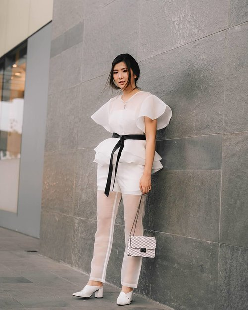 """<div class=""""photoCaption"""">Never have i ever loved an organza outfit like this one i got from @carawoman it's uber cuteee 😍😍😍</div>"""